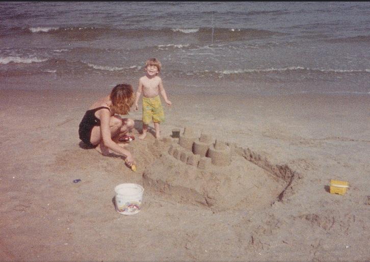 Mama i Neša, 1983.