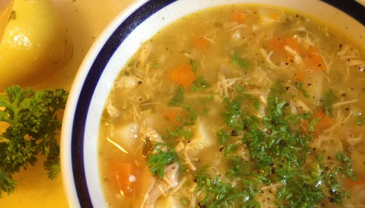 Domaća pileća supa – zamena za svaki lek