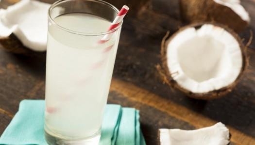 Zašto bi trebalo da pijemo kokosovu vodu