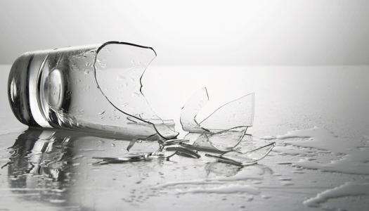 Da li čaše stvarno mogu da se razbiju od zvuka?
